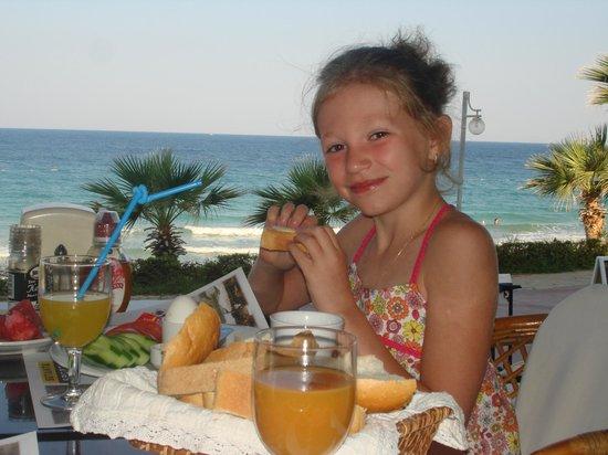 Ladies Beach Hotel: Завтрак