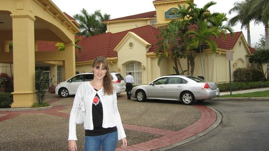 La Quinta Inn & Suites Ft. Lauderdale Plantation: Hotel entrance