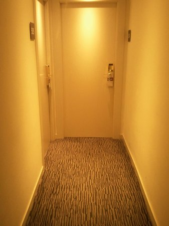 TRYP Madrid Chamberi Hotel : pasillo a la habitación