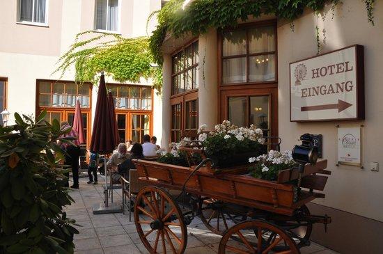 Austria Classic Hotel Wien: 朝食も食べられるテラス