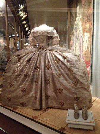 Palais des Armures : vestito zarina