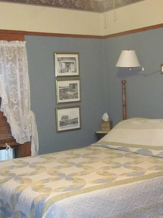 Carole's Bed & Breakfast Inn: Rose Room