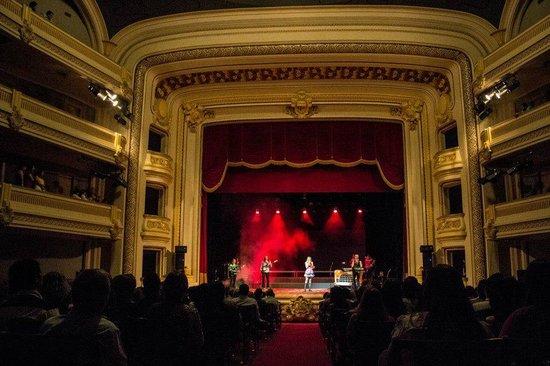 Pedro II  Theater: visão da platéia do palco e dos camarotes laterais