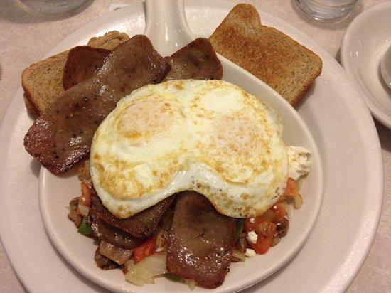Spring Garden Restaurant: Gyro Skillet with eggs over medium