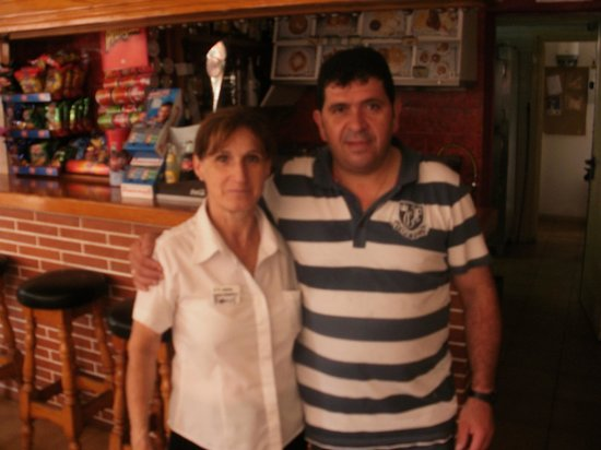Hostal Magnolia : Two Amazing Staff