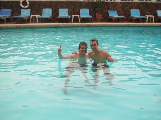 Montien Hotel Bangkok : me and my amigo, diego.