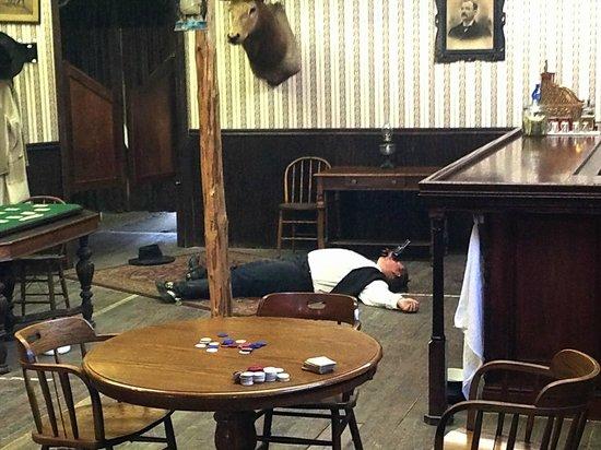 The Wyatt Earp Theatre: Boem je bent dood.