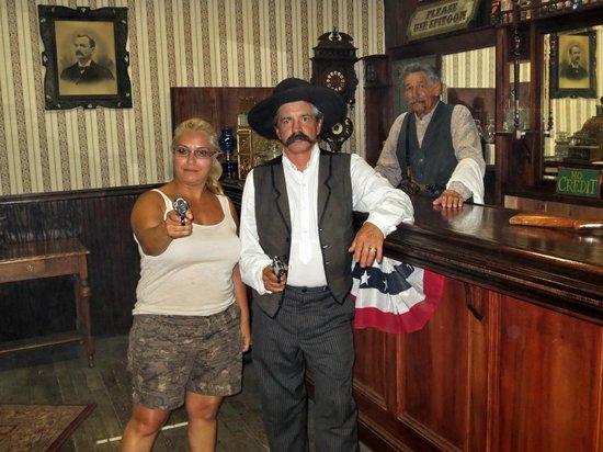 The Wyatt Earp Theatre: Even op de foto.