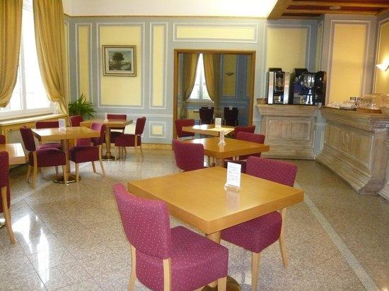 Hotel Le Continental : Salle du petit déjeuner