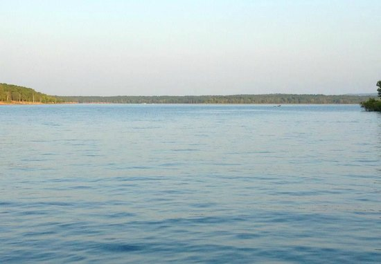 Wyndham Resort at Fairfield Bay: Greers Ferry Lake