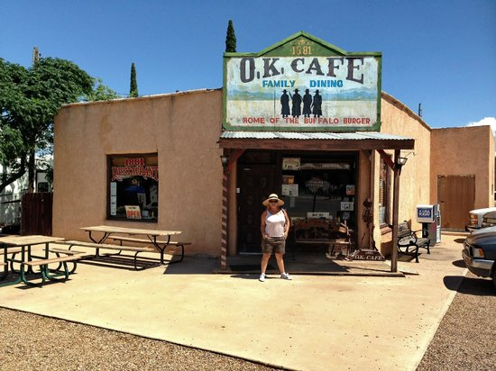 O.K. Cafe : De kleine ingang.