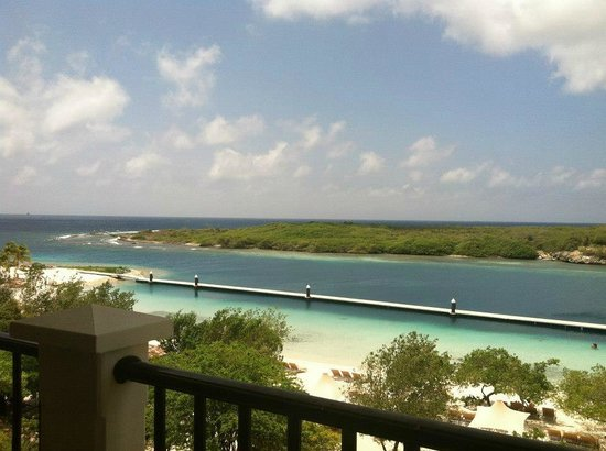 Santa Barbara Beach & Golf Resort, Curacao: View from oceanfront balcony room on 4th floor