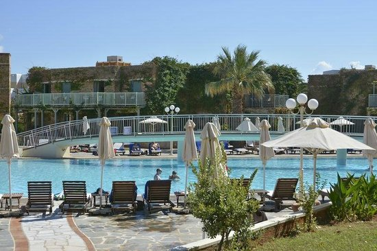 Bella Beach Hotel : Piscine