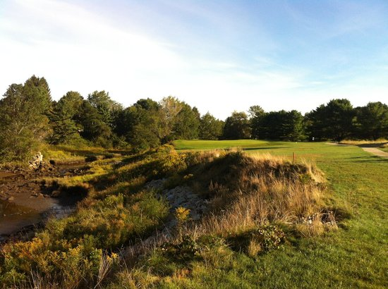 Cape Arundel Golf Club: #3 green