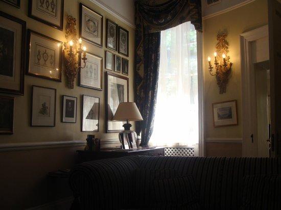 Grange Blooms Hotel : sala de estar