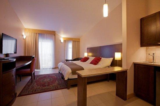 Dorset Suites: Dorset Suite Bayview Suites