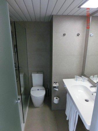 Hotel Java: Das Bad im Zimmer