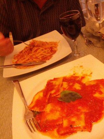 La Nuova Piazzetta: spaghetti all'amatriciana was the owner's favourite! mine 2!