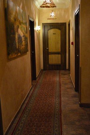 Acropolis Museum Boutique Hotel: walkway