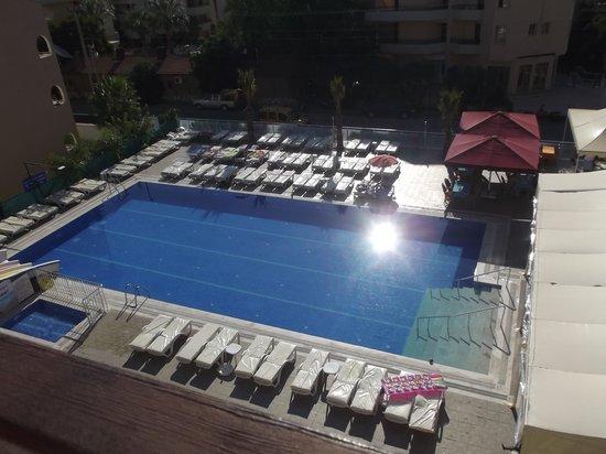 Club Dena: Pool from room 406