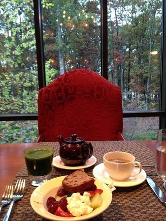 The Lodge at Woodloch: breakfast with a view
