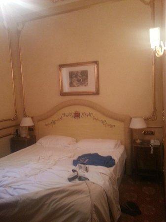Grand Hotel Wagner : Zimmer/Bett