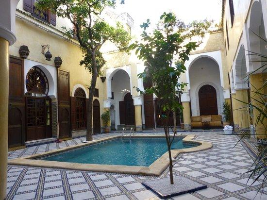 Riad Maison Bleue & Spa : Ground floor