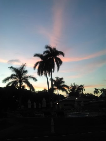 Toby's Resort: Beautiful Sunset