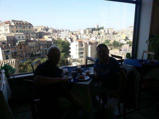 Hotel Sicilia: Blick aus dem Frühstücksraum