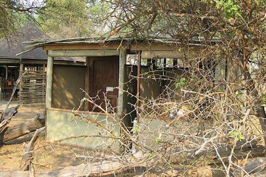 Wilderness Safaris Ruckomechi Camp: outside toilette