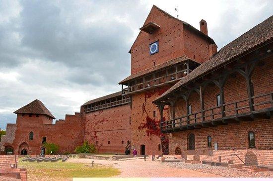 Turaida Castle: Турайдский Замок