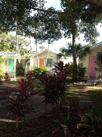 Silver Sands Villas: Cute Cottages