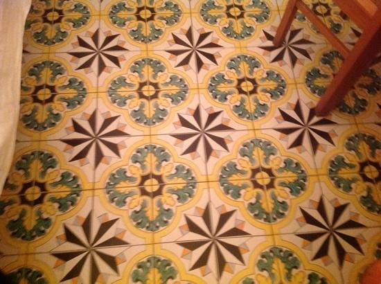 La Caravella Positano: The floor tiles
