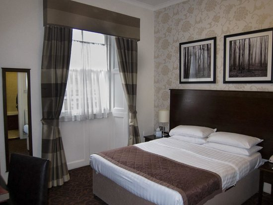 The White Swan Hotel : Our Room