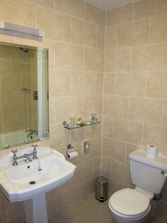 The White Swan Hotel : Bathroom