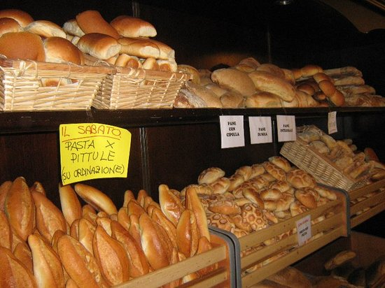 L'Antico Forno a Legna : Ogni giorno vi offriamo una selezione di pane fatto con farine speciali