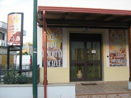 L'Antico Forno a Legna : La nostra sede a Ugento (Lecce)
