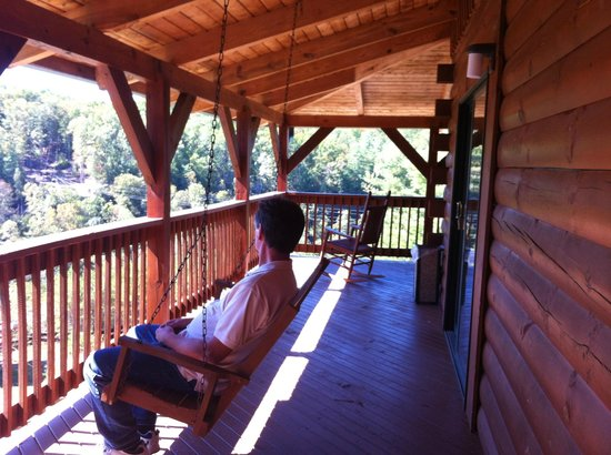 Cliffview Resort: Porch Swing on Wrap-Around Porch