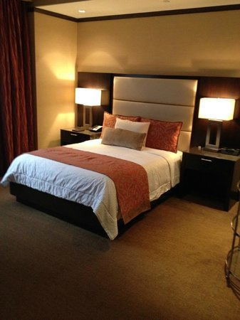 The Pearl Hotel: Queen Bed Room