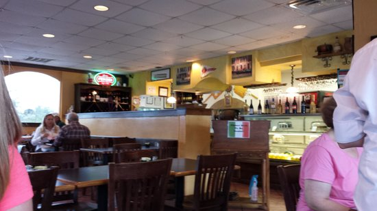 Marabella's Pizza and Grill: lovely atmosphere