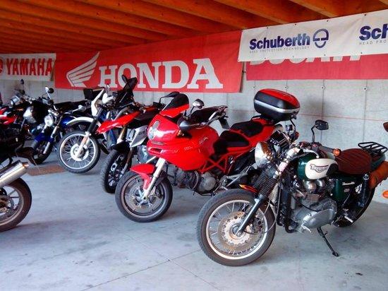 Garni Ludwig: parcheggio moto