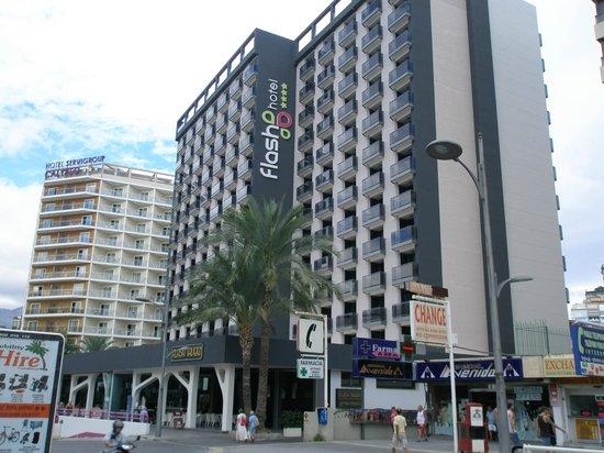 Flash Hotel Benidorm : Vista del Hotel y alrededores