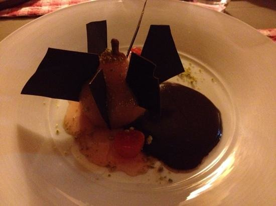 Auberge de la Bartavelle: mouthwatering pear and chocolate