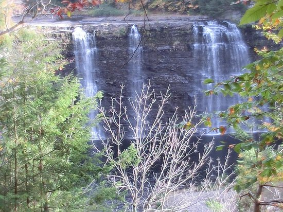 Redfield, Estado de Nueva York: Salmon River Falls 10 min.