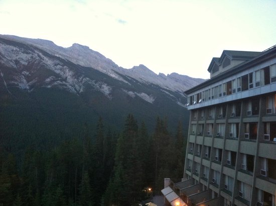 Rimrock Resort Hotel: View from Rimrock Resort - Larkspur Grille