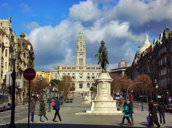 Monumento a Dom Pedro IV : vue du bas de la place