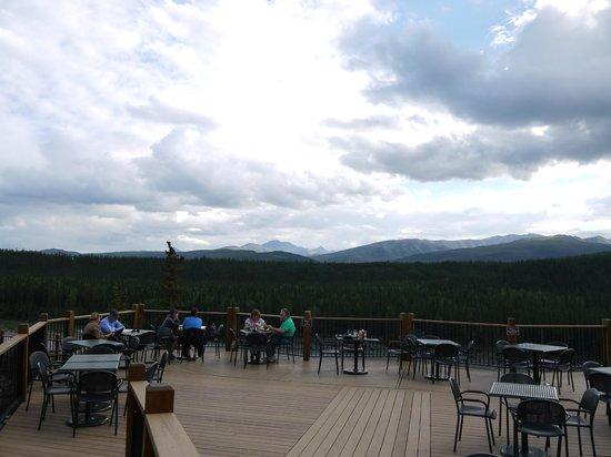 Denali Princess Wilderness Lodge: テラス
