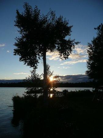 Wild Eagle Lodge : Waiting for the sunset on Duck Lake