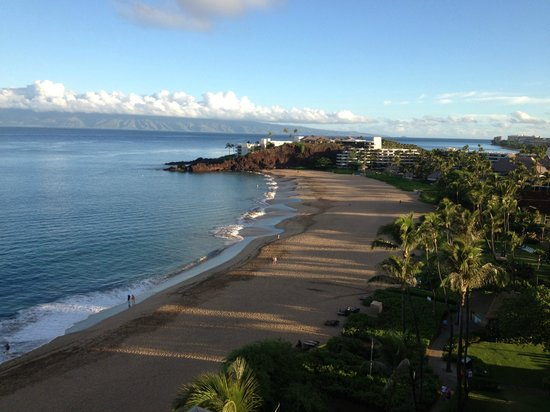Ka'anapali Beach: This takes your breath away, doesn't it ??