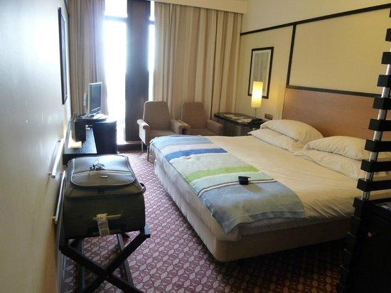 Pestana Casino Park : Notre grand lit :)